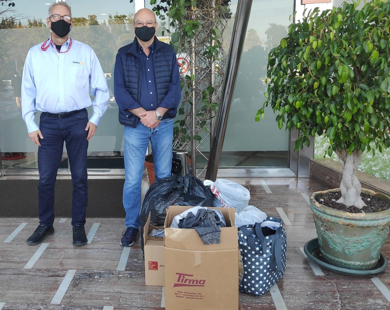18.03.21-RCA Foto entrega ropa I.E.S. Las Huesas en Vistaflor